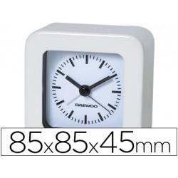 Reloj analogico marca Daewoo blanco